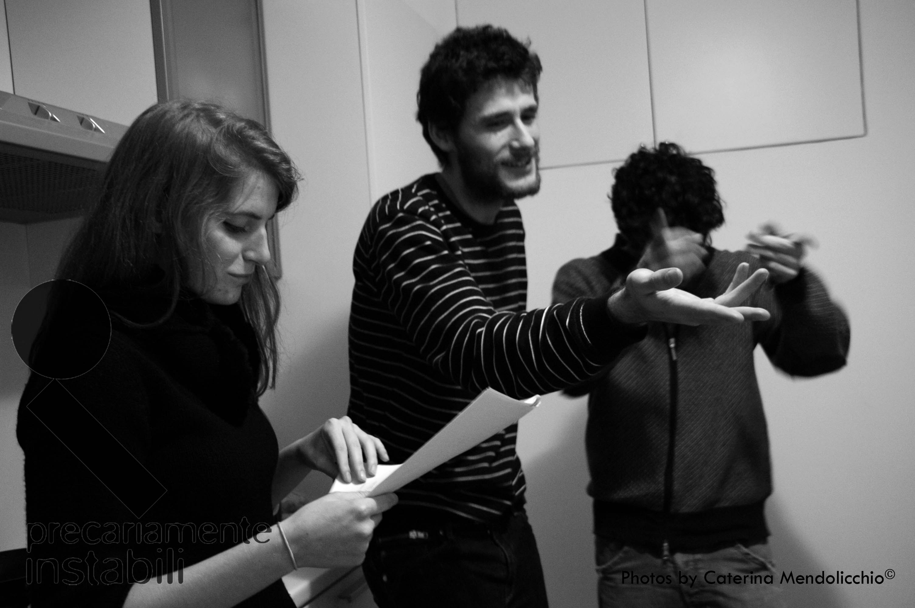 Precariamente instabili - regia di Luigi Scaglione