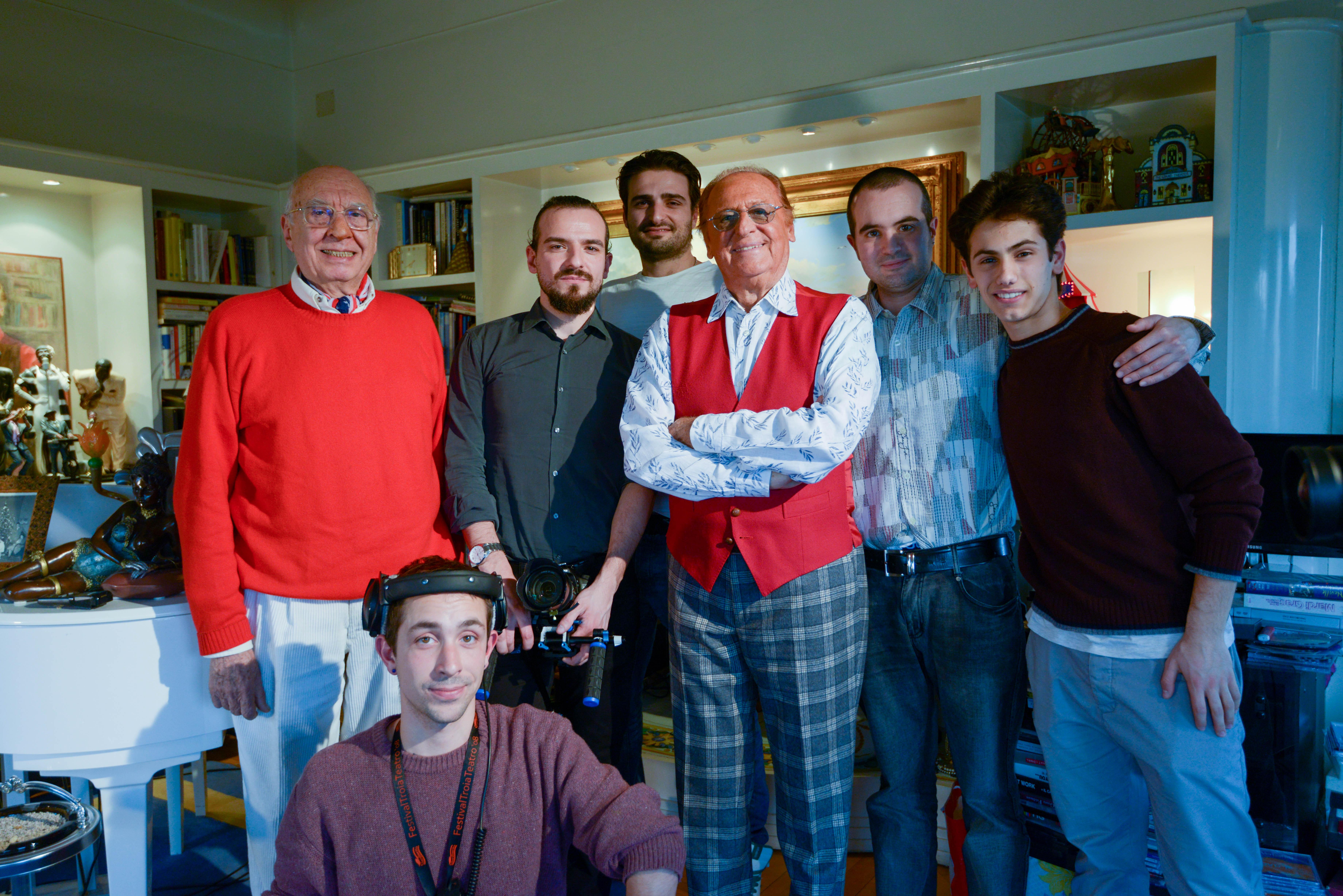 Renzo Arbore e la troupe di Oltrecielo