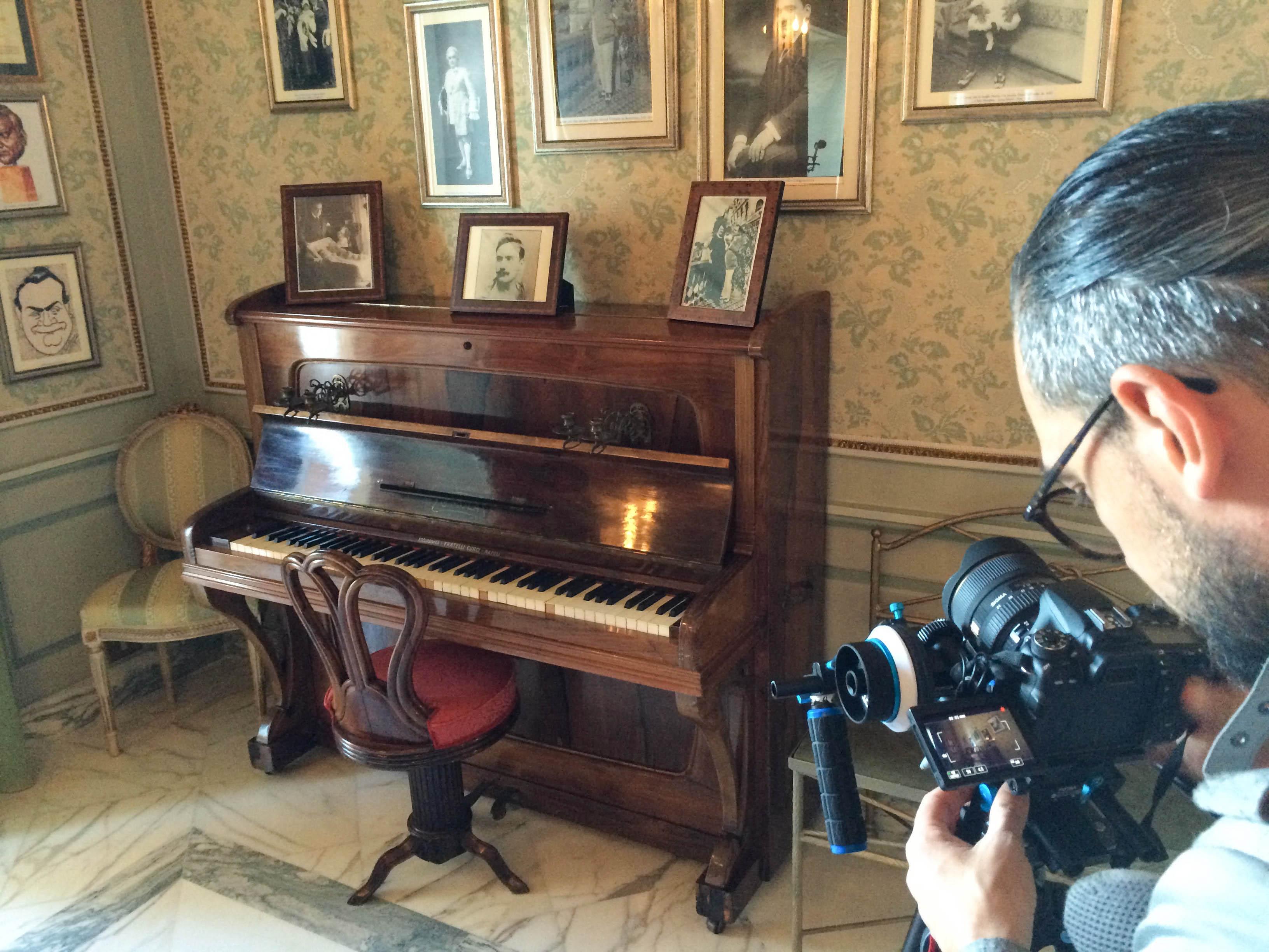Suite Caruso Hotel Excelsior Vittoria Pianoforte dove Lucio Dalla scrisse la canzone Caruso